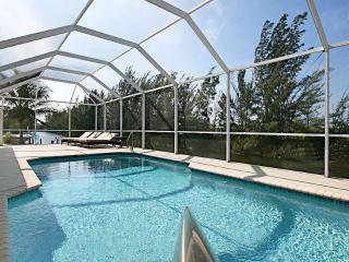 Villa Oasis – Quiet Florida Lifestyle, Cape Coral