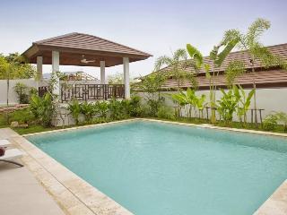 Villa 157 - Walk to beach swim play drink eat sleep walk to villa jump in pool