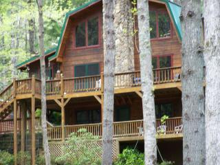 Monarch Lodge Facing Etowah River  - 3 Floors - 3000 Sq Ft