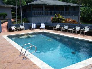 Private Kona Estate Home with Pool Great Location, Kailua-Kona