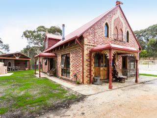 Casa Giuliana, Five star Cottage & tranquil setting, Torquay