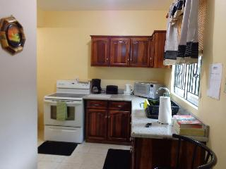 Kingston Vacation  Rental  Call 1876-631-2910