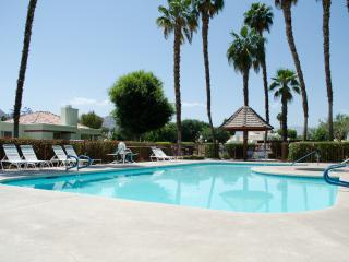Fantastic 2 bedroom Condo in Palm Desert.