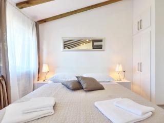 Silver luxury studio in center of Split ****