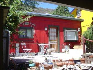 Charming Little Red House Studio at low low rate