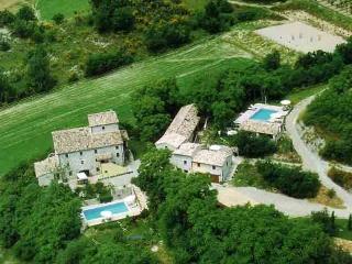 Casa Oliva, Montone