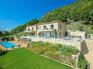 Terrace de Provence, 5 Bedroom House with a Pool, in Vence