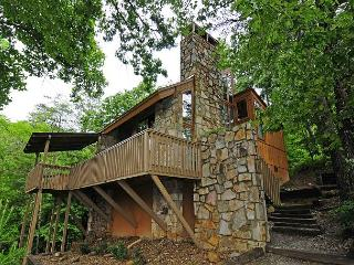 890 Canoodle Nest, Gatlinburg