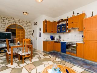 House Mladen - 44771-K1, Solta Island