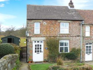 GHYLL COTTAGE rural location, open fire, pet-friendly in Rosedale Abbey Ref 27834, Pickering