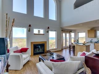 Oceanfront, dog-friendly home w/ stunning views & nearby beach access