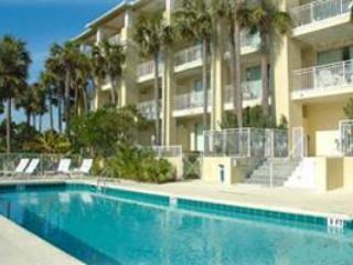 Gulf Place Cabanas pool