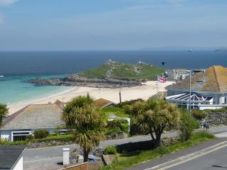 Dolphins, St Ives - Sea Views, Family Friendly