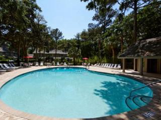 Greens 192, 1 Bedroom, Large Pool, Golf View, Shipyard Plantation, Sleeps 4, Hilton Head