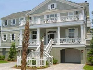 A Wonderful and Recently Built 6BR/4.5BA Home 3rd Row in North Forest Beach, Hilton Head