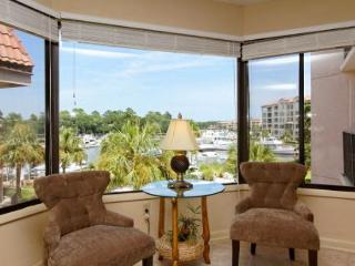 Yacht Club 7536, Luxury 3 Bedrooms, Large Pool, Spa, Sleeps 8, Hilton Head