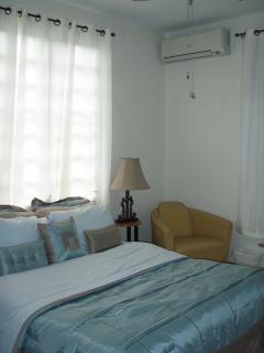 Bedroom 2 - 1 Queen Bed