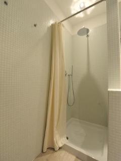 Shower big size