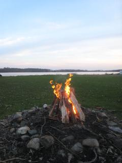 a campfire is a good way to finish any day!