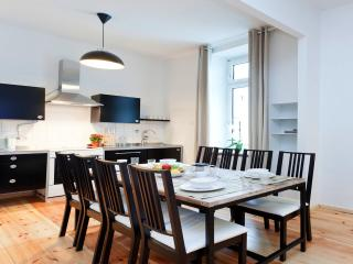 Mitte Vacation Rental for Up to 8 in Berlin, Berlín