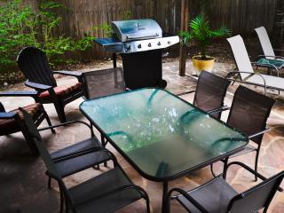 Tropical Oasis w/ Resort-Style Pool & Hot Tub