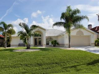 Cape Coral Delight Villa near Cape Harbour