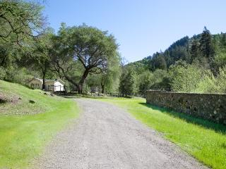 Welcome to the Creek House. 2 acres of tranquility and peace. Nestled among Oak and Fir trees.