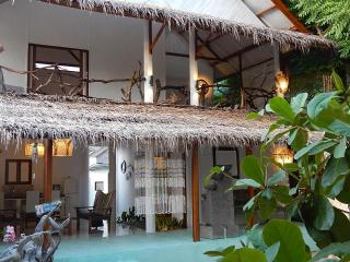 Sahara Sands, charming beach house Gili T