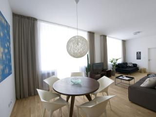 One-Bedroom Balcony Apartment - dining area