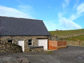 GLAN NUG BACH, games room, walks from the doorstep, in Rhydlydan, Ref, 26537
