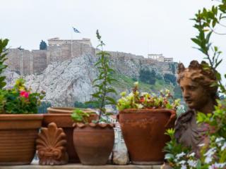 Unique Plaka/Acropolis apartment! A/C, Great View!, Atenas