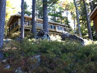 Secluded Lakefront Cottage Close to Bar Harbor, Ellsworth