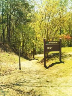 Riverbend Nature trail (5 minutes away)