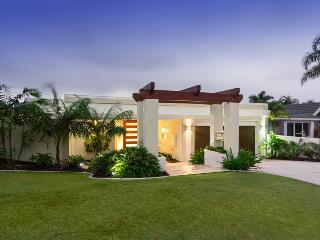 Large 5 Bedroom, 4 Bathroom Home - Sanctuary Cove, Gold Coast