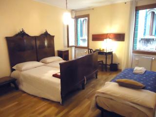 Ca' dei Greci, comfortable apt, few steps from San Marco, Venecia