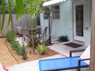 One Bedroom Apartment in Paradise, Fort Lauderdale