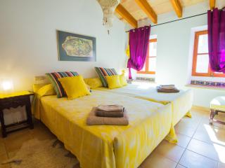 Magnificent townhouse in Santa Eugenia
