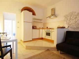 Cozy apartment near famous design district - 3681, Milán