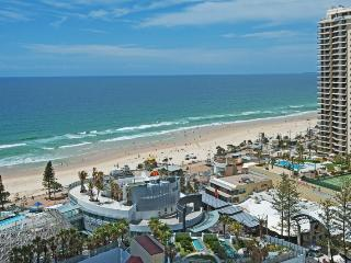 Stunning Ocean views in Surfers Paradise!