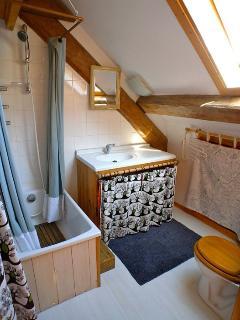 Shower room - Bedroom 3