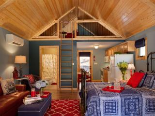Laurel Mountain Retreat - Red Bird