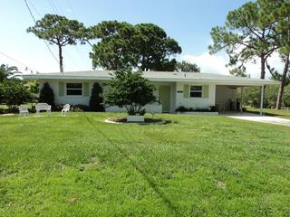 BEAUTIFUL HOME ON OYSTER CREEK DRIVE ENGLEWOOD FL