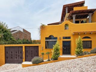Artistic Casita with Great Views, San Miguel de Allende