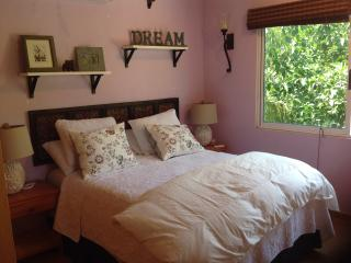 Cozy and Quaint , 2 blocks to beach, Puerto Morelos