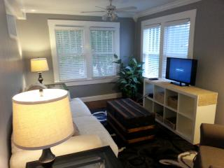 Cozy carriage apartment in Tarpon Springs