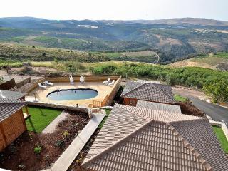 Luxury holiday cottages. Nof Shveytsari, Kerem Ben Zimra