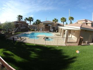 Beautiful Henderson Condo w/Strip VIews, Las Vegas