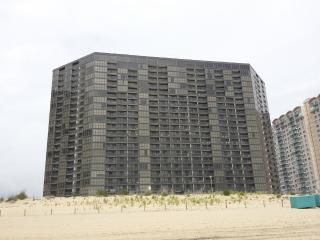 Golden Sands #2012 -Luxury Ocean Front Beach Condo, Ocean City