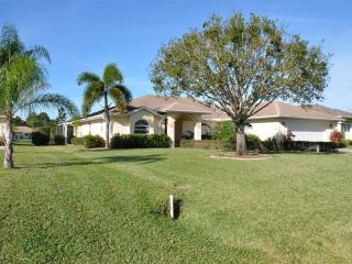 Relax & Unwind in Beautiful Peaceful Surroundings Close to Gulf Coast Beaches
