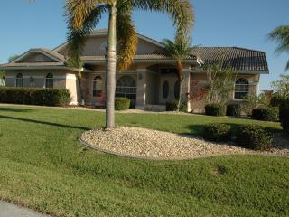 Luxurious contemporary vacation awaits you!!, Punta Gorda